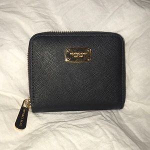 Michael Kors Zipped Black Mini Wallet